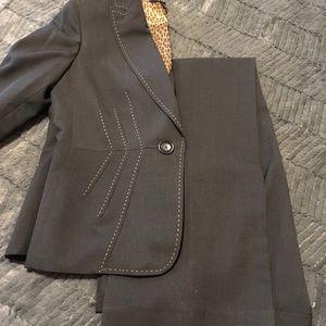 Kasper size 8 Ladies Suit GORGEOUS!